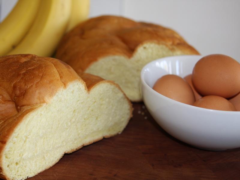 CARAMEL WEEK: Caramel Banana Bread Pudding | La Petite Pancake